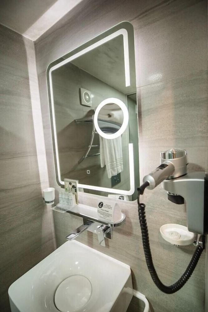 지 이그제큐티브 부티크 호텔(Z Executive Boutique Hotel) Hotel Image 34 - Bathroom Amenities