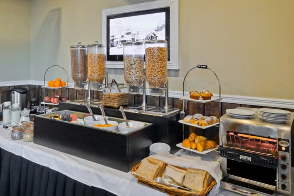 애쉬포드 모터 로지(Ashford Motor Lodge) Hotel Image 55 - Breakfast buffet