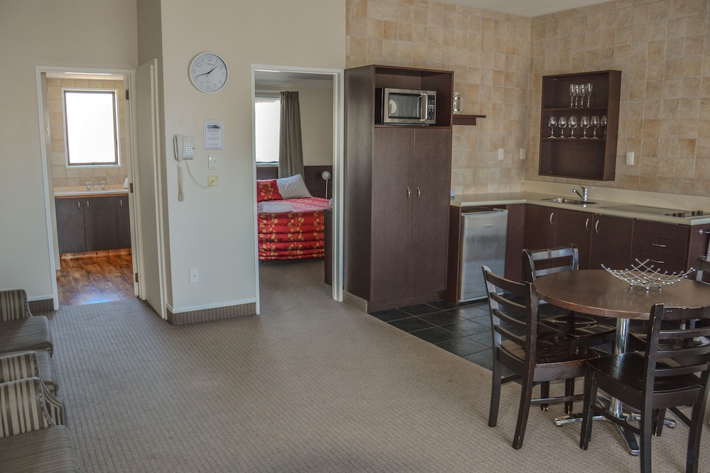 애쉬포드 모터 로지(Ashford Motor Lodge) Hotel Image 35 - Living Area