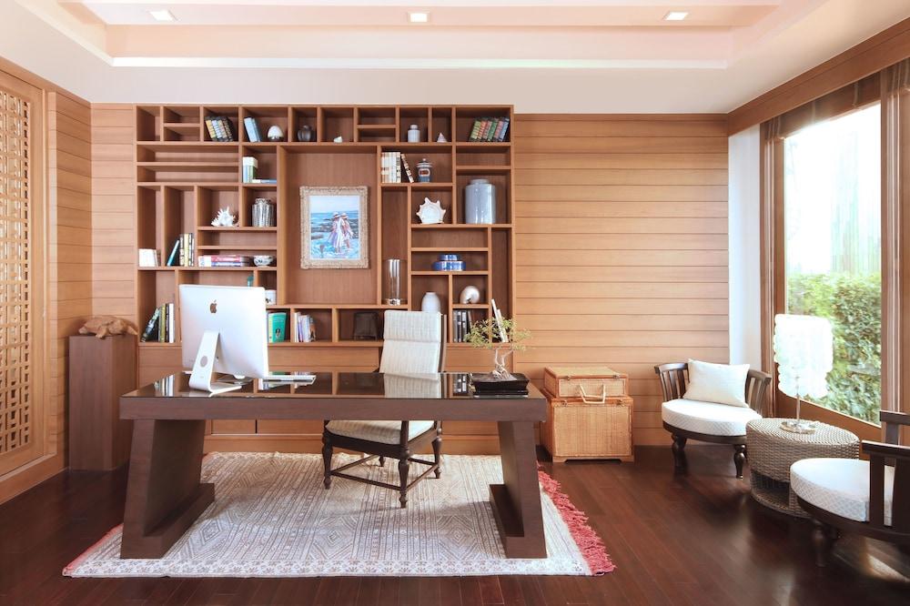 케이프 니드라 호텔 후아힌(Cape Nidhra Hotel Hua Hin) Hotel Image 46 - Library
