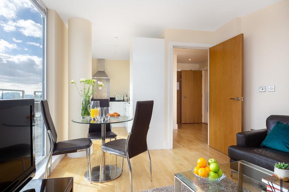 랜턴스 코트 아파트먼츠(Lanterns Court Apartments) Hotel Image 2 - Guestroom