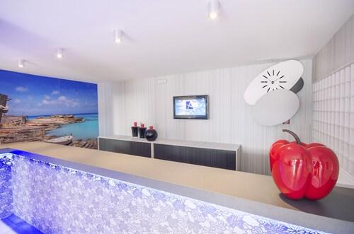 azuLine Apartamentos Sunshine, Baleares