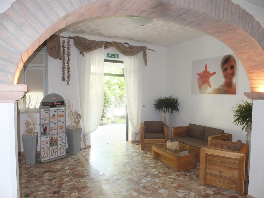 오스텔로 카사 페르 페리에 스텔라 마리나 - 호스텔(Ostello Casa per Ferie Stella Marina - Hostel) Hotel Image 1 - Lobby Sitting Area