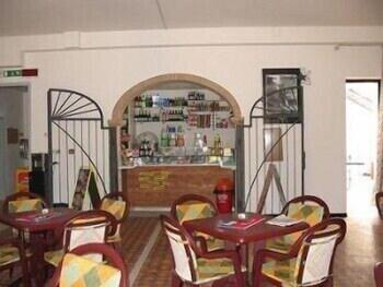 오스텔로 카사 페르 페리에 스텔라 마리나 - 호스텔(Ostello Casa per Ferie Stella Marina - Hostel) Hotel Image 22 - Hotel Bar
