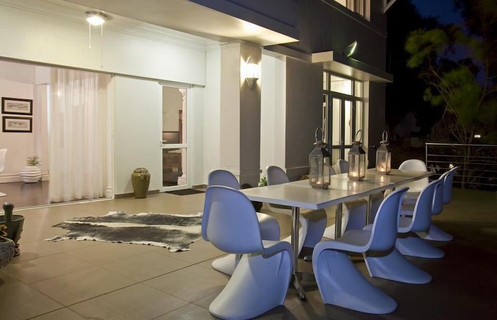더 그레인지 게스트 하우스(The Grange Guest House) Hotel Image 23 - Outdoor Dining