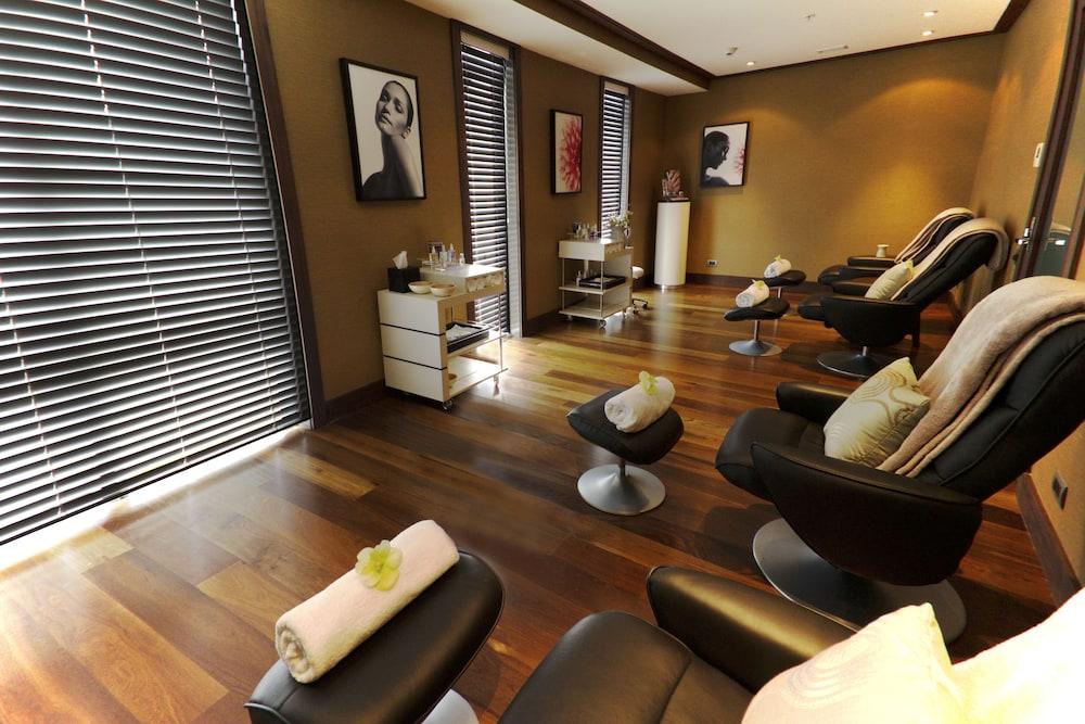 힐튼 퀸스타운 리조트 & 스파(Hilton Queenstown Resort & Spa) Hotel Image 53 - Treatment Room