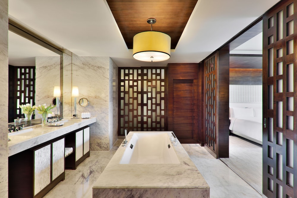 JW 메리어트 호텔 찬디가르(JW Marriott Hotel Chandigarh) Hotel Image 17 - Bathroom