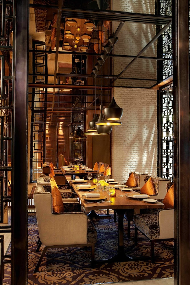 JW 메리어트 호텔 찬디가르(JW Marriott Hotel Chandigarh) Hotel Image 28 - Restaurant