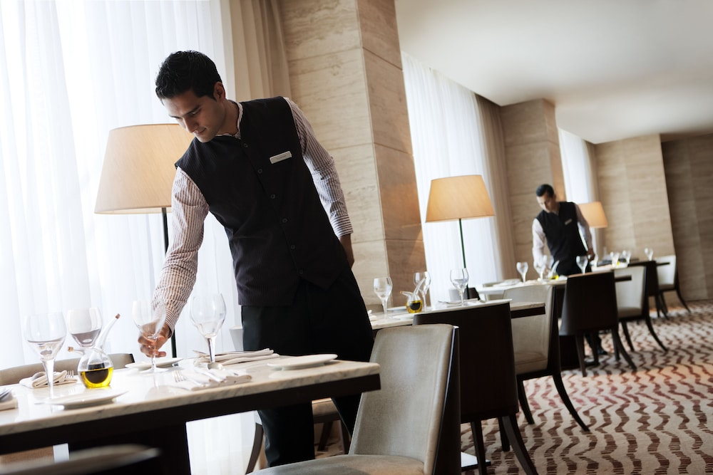 JW 메리어트 호텔 찬디가르(JW Marriott Hotel Chandigarh) Hotel Image 26 - Restaurant