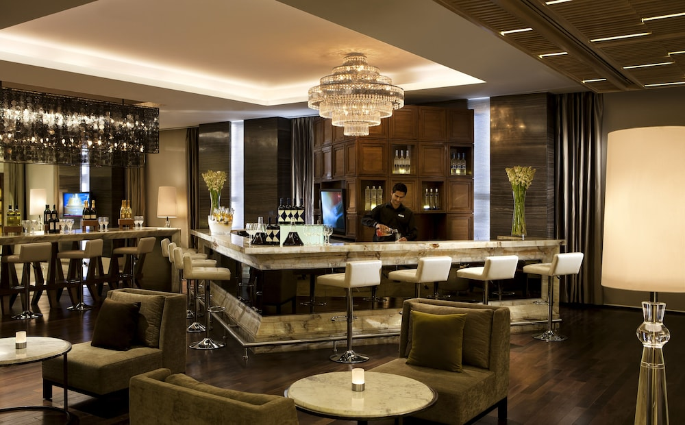 JW 메리어트 호텔 찬디가르(JW Marriott Hotel Chandigarh) Hotel Image 38 - Hotel Lounge
