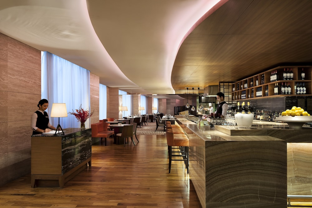 JW 메리어트 호텔 찬디가르(JW Marriott Hotel Chandigarh) Hotel Image 37 - Hotel Bar