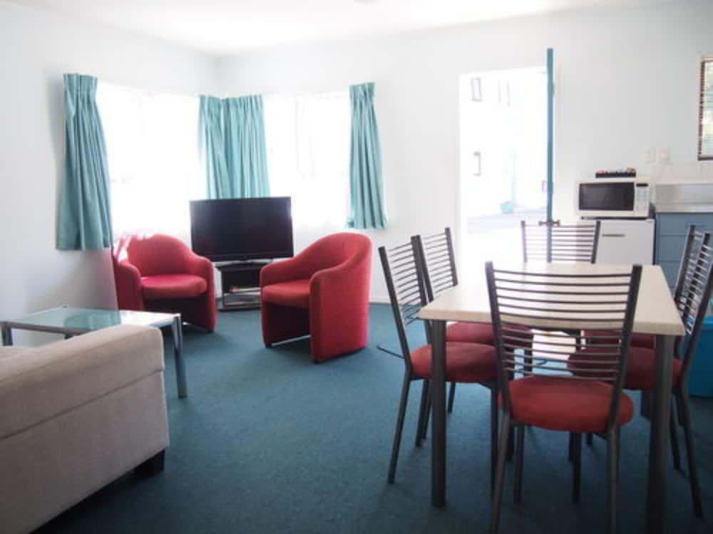 마를린 코트 모텔(Marlin Court Motel) Hotel Image 13 - Living Room