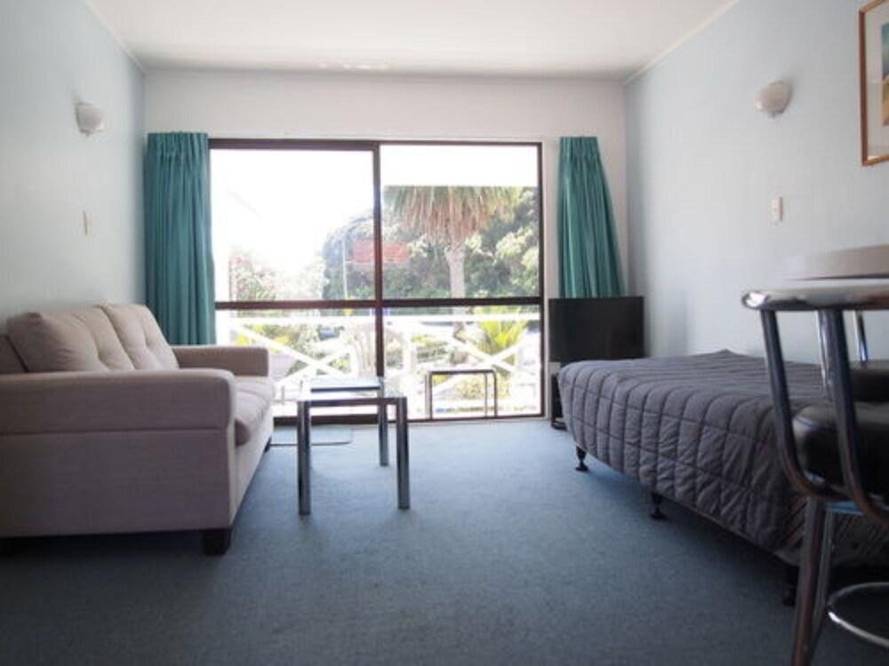 마를린 코트 모텔(Marlin Court Motel) Hotel Image 11 - Living Area