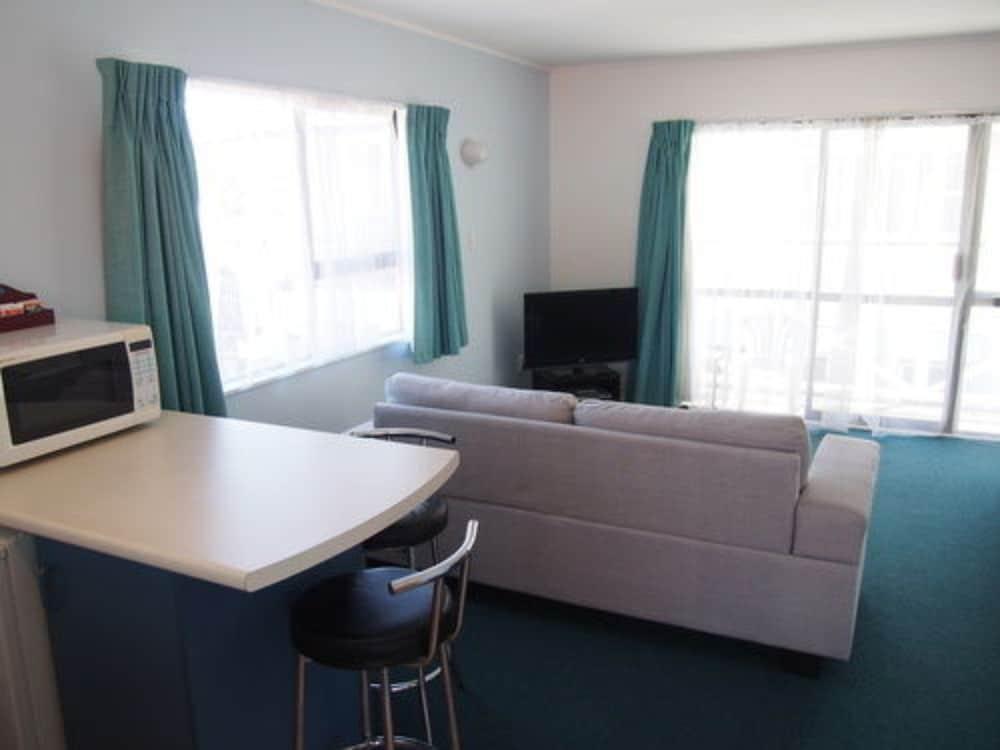 마를린 코트 모텔(Marlin Court Motel) Hotel Image 12 - Living Area