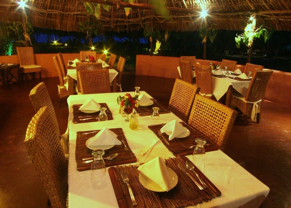 캄파멘토 타푸이 로지(Campamento Tapuy Lodge) Hotel Image 6 - Restaurant