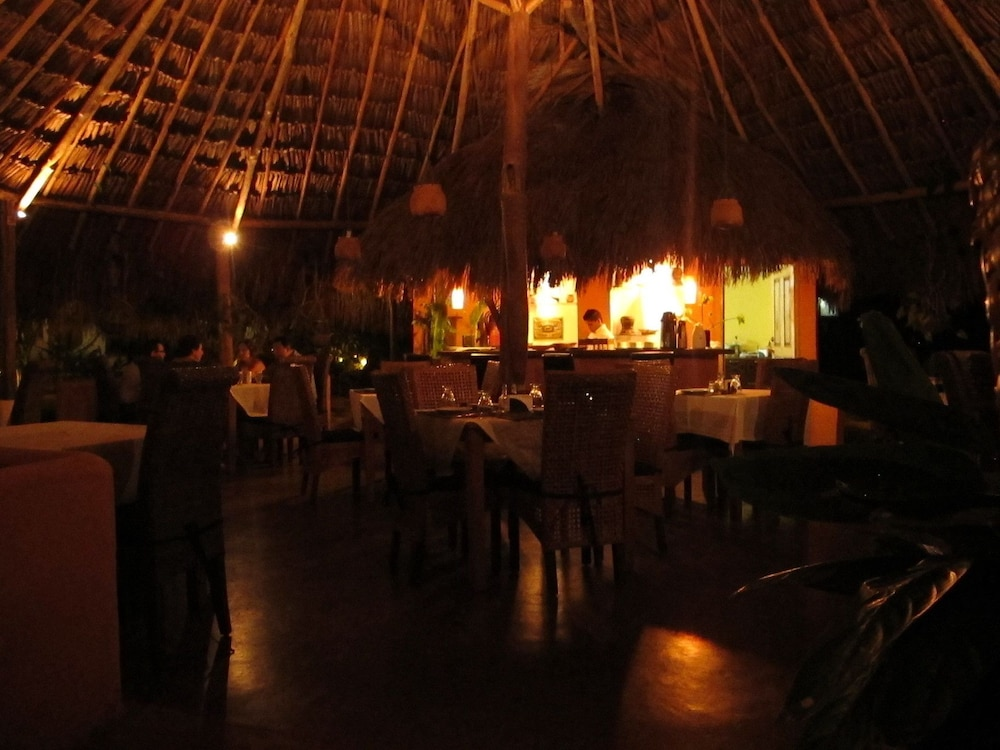 캄파멘토 타푸이 로지(Campamento Tapuy Lodge) Hotel Image 8 - Restaurant