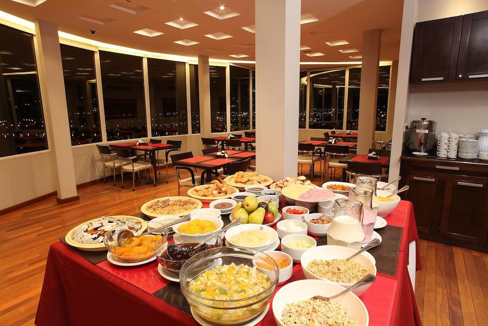 알토 안디노(Alto Andino) Hotel Image 48 - Buffet