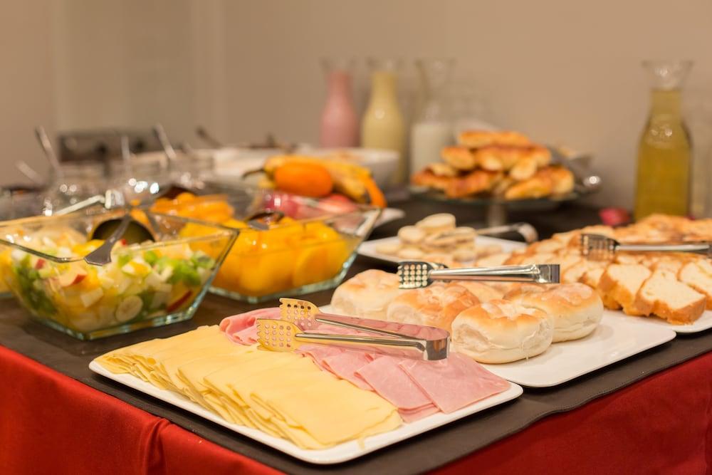 알토 안디노(Alto Andino) Hotel Image 56 - Breakfast buffet