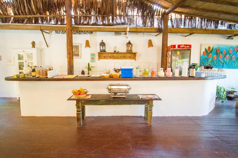 포우사다 알데이아 도 솔(Pousada Aldeia do Sol) Hotel Image 32 - Breakfast buffet