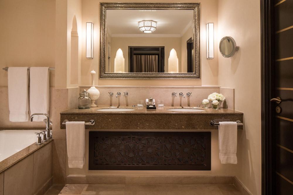포 시즌스 리조트 마라케쉬(Four Seasons Resort Marrakech) Hotel Image 50 - Bathroom