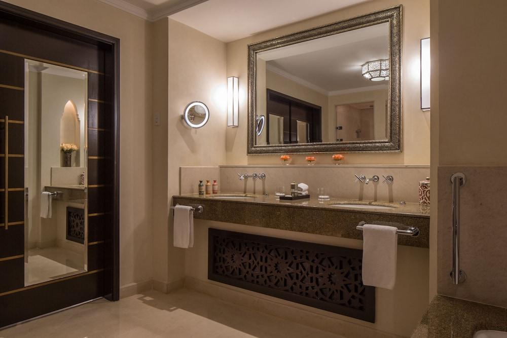 포 시즌스 리조트 마라케쉬(Four Seasons Resort Marrakech) Hotel Image 49 - Bathroom