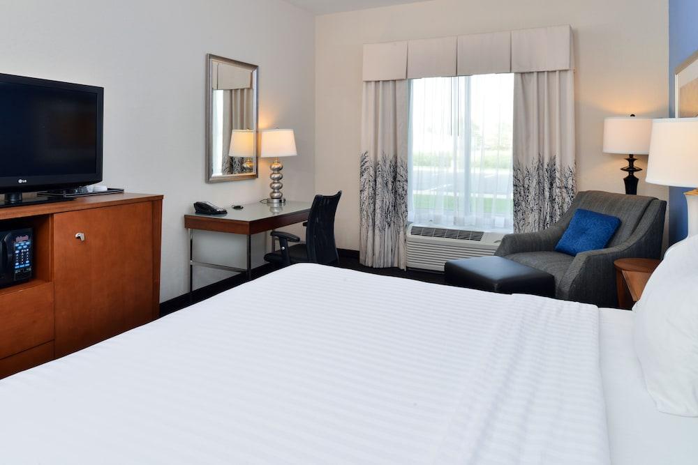 홀리데이 인 익스프레스 호텔 & 스위트 테르 오트(Holiday Inn Express Hotel & Suites Terre Haute) Hotel Image 16 - Guestroom