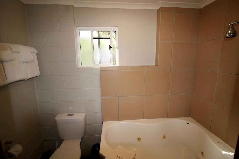 콘달릴라 에코 리조트(Kondalilla Eco Resort) Hotel Image 84 - Bathroom