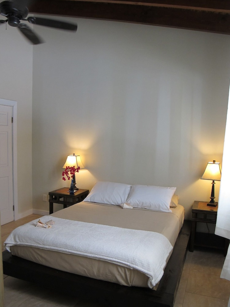 투 샌달스 바이 더 시 인 - B&B(Two Sandals by the Sea Inn - B&B) Hotel Image 4 - Guestroom
