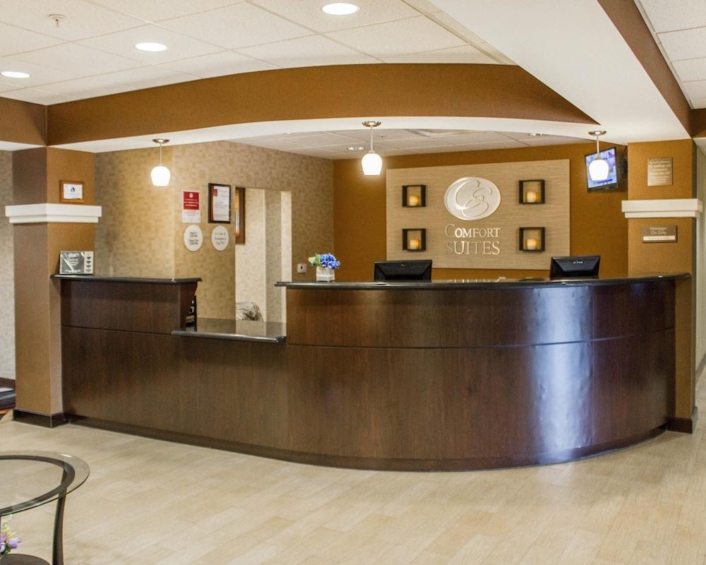컴포트 스위트(Comfort Suites) Hotel Image 5 - Lobby