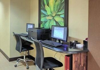 컴포트 스위트(Comfort Suites) Hotel Image 29 - Business Center