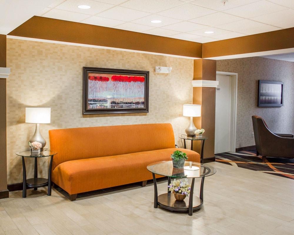 컴포트 스위트(Comfort Suites) Hotel Image 3 - Lobby