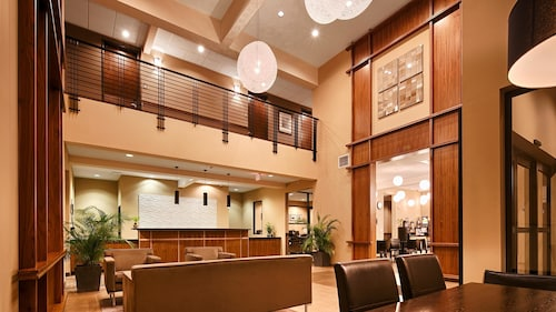 . Best Western Plus Lacey Inn & Suites