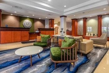 塔彭斯普林斯費爾菲爾德假日套房飯店 Fairfield Inn & Suites Holiday Tarpon Springs