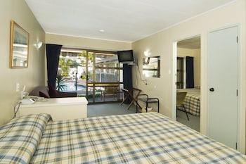 듀크스 미드웨이 로지(Dukes Midway Lodge) Hotel Image 9 - Guestroom View