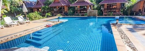 __{offers.Best_flights}__ Lanta Pearl Beach Resort