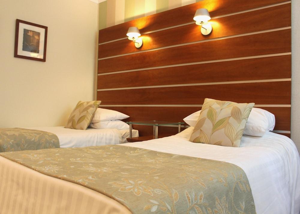 던처치 파크 호텔(Dunchurch Park Hotel) Hotel Image 4 - Guestroom