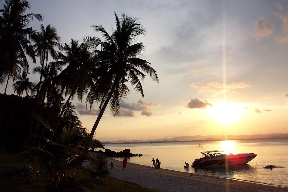 코 탈루 아일랜드 리조트(Koh Talu Island Resort) Hotel Image 69 - Beach