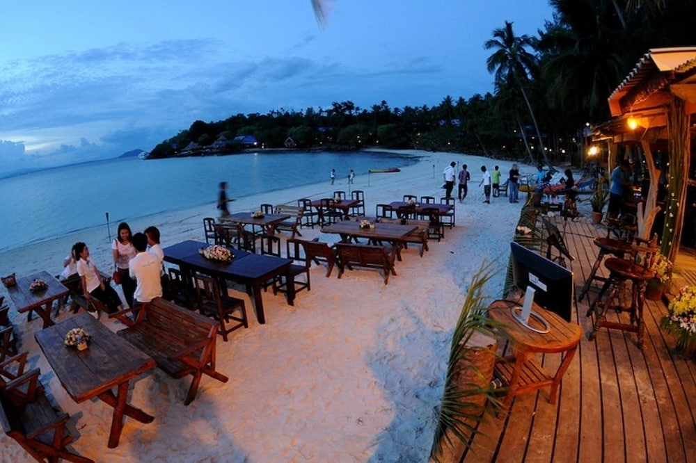 코 탈루 아일랜드 리조트(Koh Talu Island Resort) Hotel Image 71 - Outdoor Dining