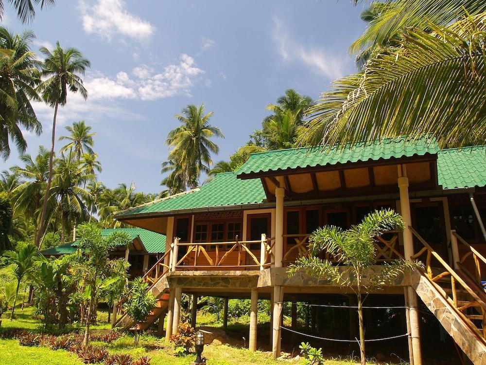 코 탈루 아일랜드 리조트(Koh Talu Island Resort) Hotel Image 25 - Terrace/Patio