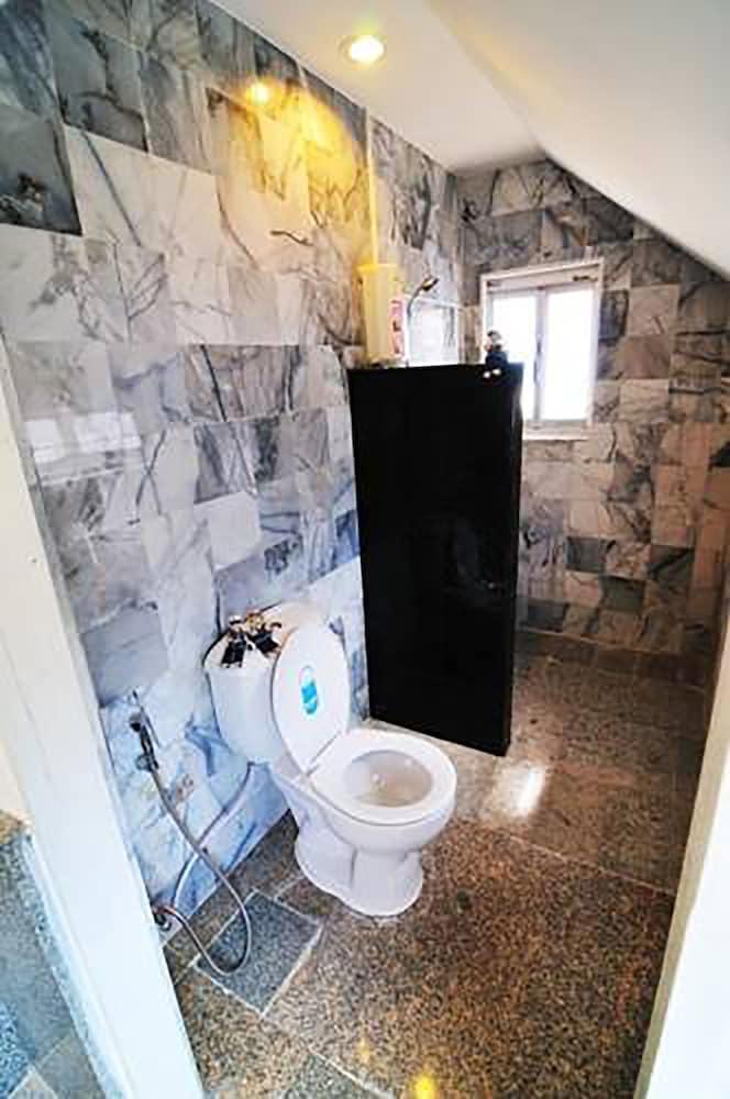 코 탈루 아일랜드 리조트(Koh Talu Island Resort) Hotel Image 28 - Bathroom