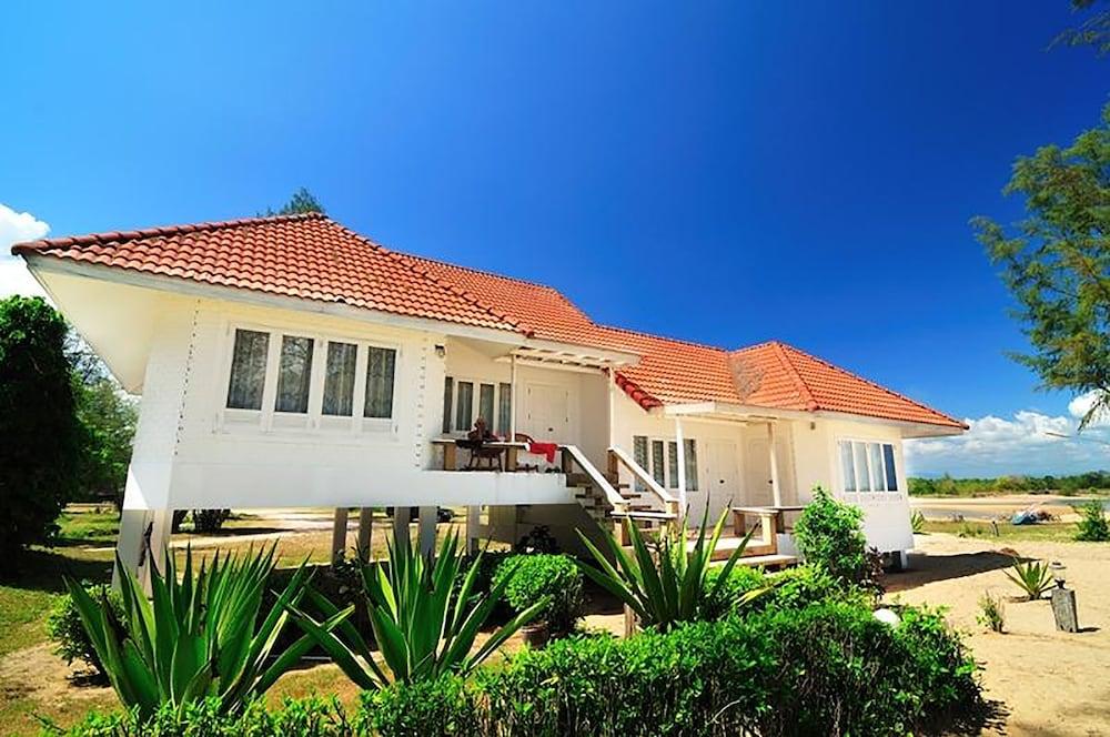 코 탈루 아일랜드 리조트(Koh Talu Island Resort) Hotel Image 23 - Guestroom