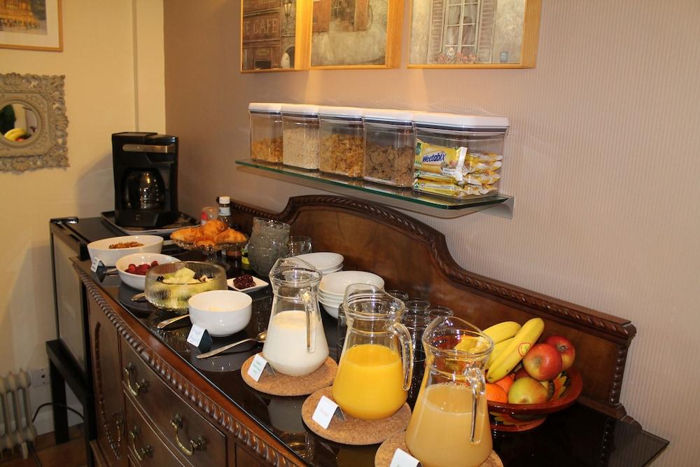 디 애슐레이 게스트하우스(The Ashleigh Guesthouse) Hotel Image 55 - Breakfast Area