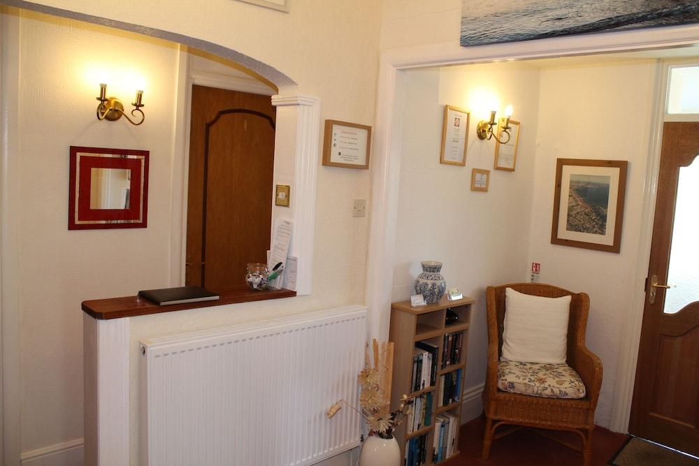 디 애슐레이 게스트하우스(The Ashleigh Guesthouse) Hotel Image 3 - Reception
