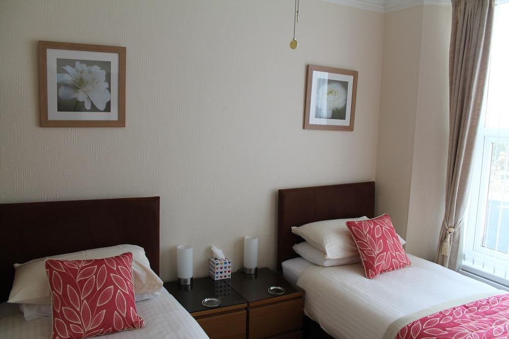 디 애슐레이 게스트하우스(The Ashleigh Guesthouse) Hotel Image 21 - Guestroom