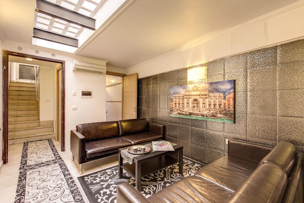 아우렐리아 바티칸 아파트먼츠(Aurelia Vatican Apartments) Hotel Image 1 - Lobby Sitting Area