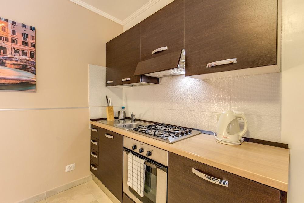 아우렐리아 바티칸 아파트먼츠(Aurelia Vatican Apartments) Hotel Image 74 - In-Room Kitchen