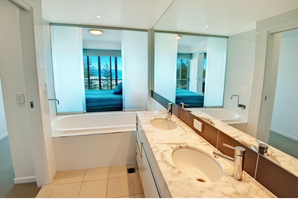 리플렉션 온 더 시(Reflection on the Sea) Hotel Image 34 - Bathroom