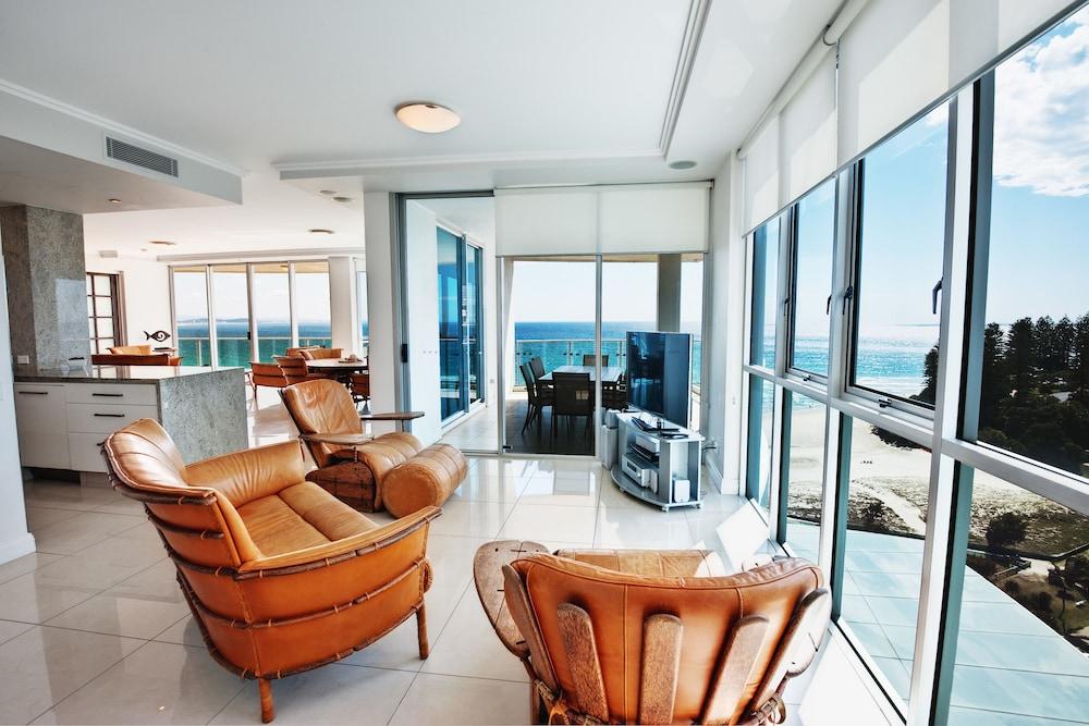 리플렉션 온 더 시(Reflection on the Sea) Hotel Image 24 - Living Area
