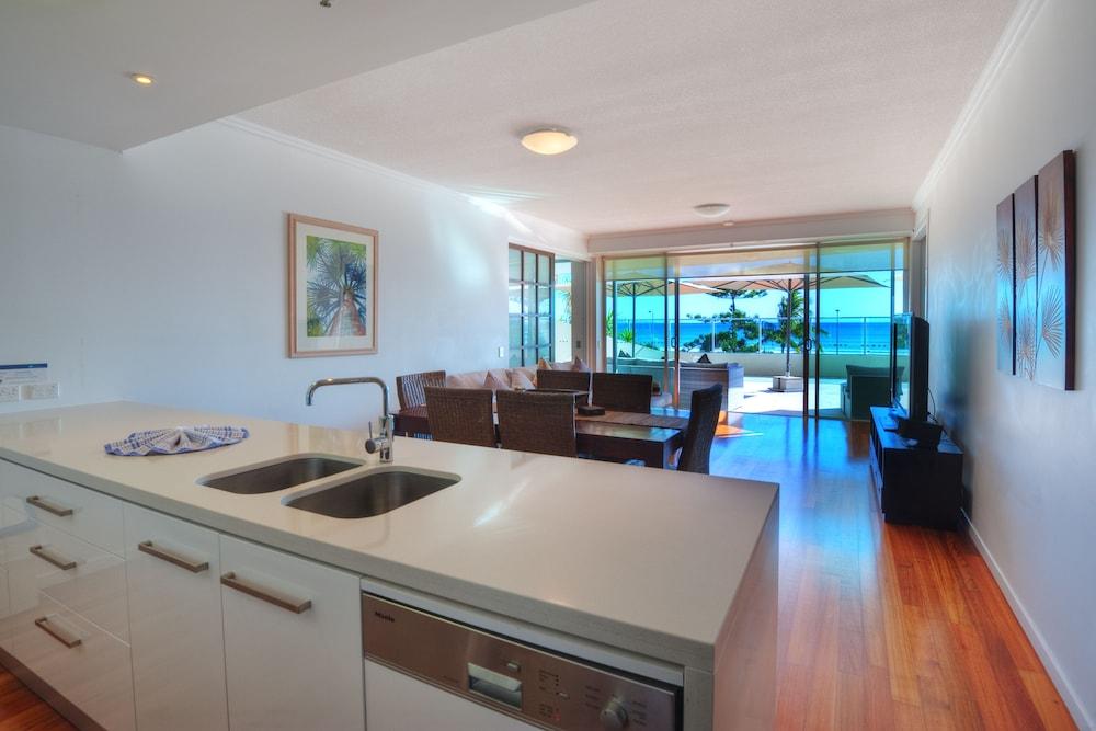 리플렉션 온 더 시(Reflection on the Sea) Hotel Image 11 - In-Room Kitchen