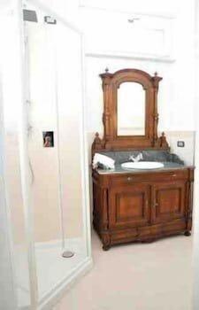 빌라 유제니아(Villa Eugenia) Hotel Image 12 - Bathroom
